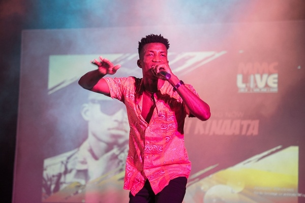 Photo of It is better to do songs that address social issues than songs that are popular or will make people dance – Kofi Kinaata