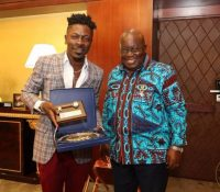 Video/Photos: Shatta Wale visits President Akufo-Addo at Flasgstaff House