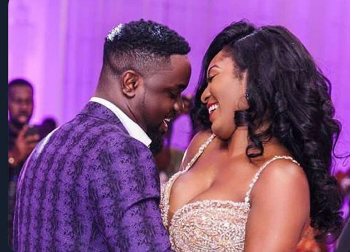 Photo of Tracy Sarkcess Shares Her Journey With Sarkodie In A One-Minute Video As Part Of Her #10yearschallenge