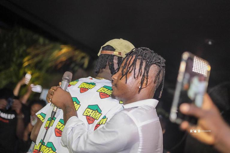 Photo of KelvynBoy needs to be humble and work on his attitude – Stonebwoy