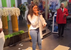Photo of Wendy Shay storms church after kidnap prophecy