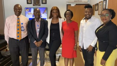 Photo of Wendy Shay meets with the FDA Board over Ban issues.