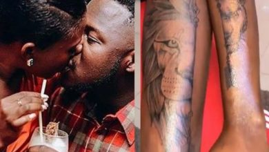 Photo of Video: Fella Makafui Inks Half Face Lioness To Match Medikal's Half Face Lion Tattoo
