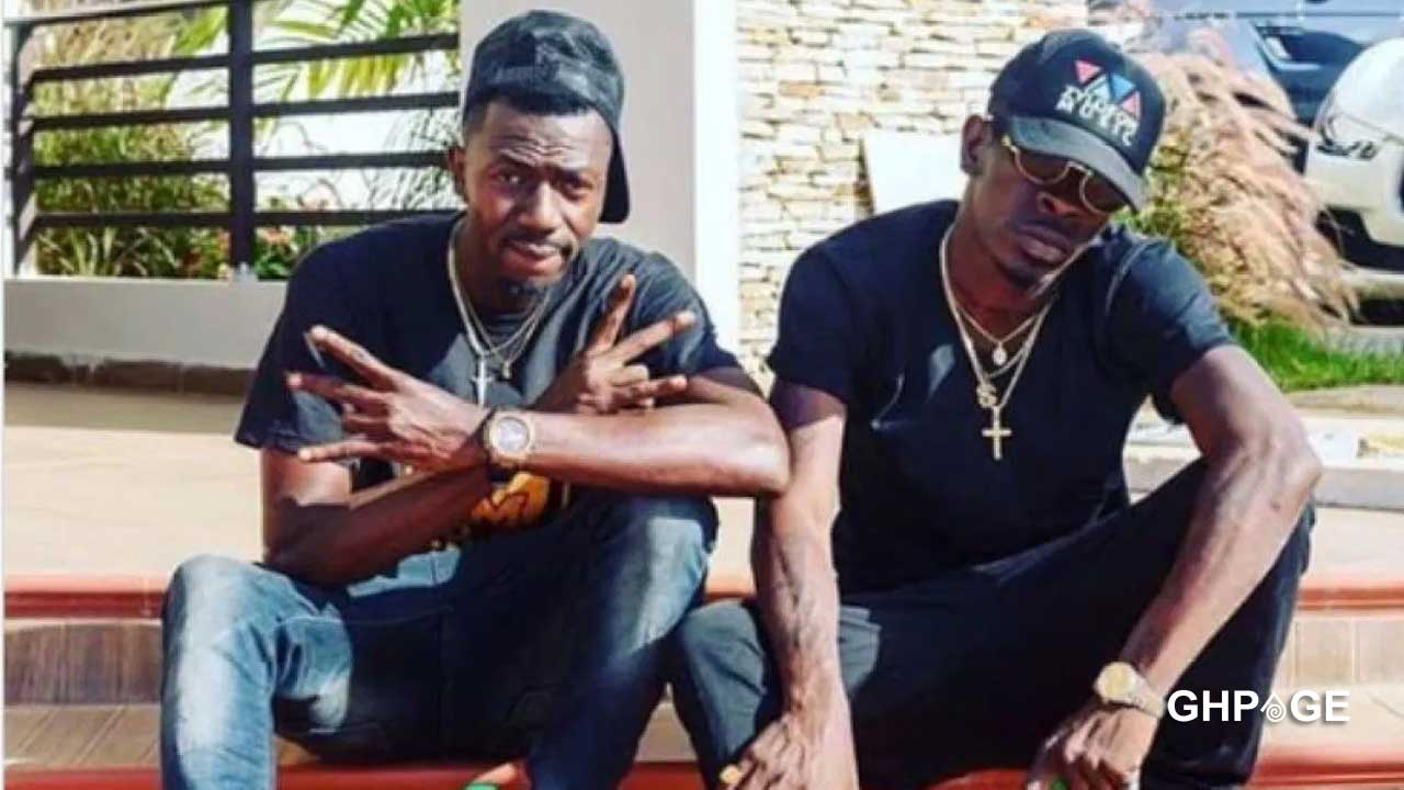 Shatta Wale sends police to collect car he bought for Joint 77 [Watch]
