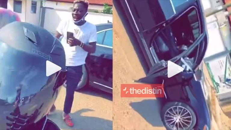 Video Of Shatta Wale And Stonebwoy Flaunting Their Luxurious Cars As They Enjoy On The Street