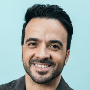 Luis Fonsi - Age, Songs & Wife - Biography