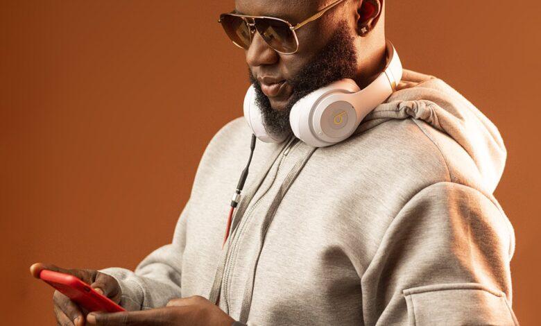 Photo of DJ Mensah – Like That ft Kweku Smoke, Lyrical Joe, DopeNation, Kofi Mole, Medikal, and E.L